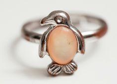 pinguino ring.