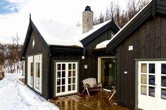FINN Eiendom - Fritidsbolig til salgs Winter Cabin, Real Estate, Cottage, House Styles, Home Decor, Home Layouts, Decoration Home, Room Decor, Real Estates