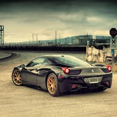Ferrari 458 italica Black! WOW!