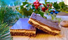 I have never eaten your traditional Nanaimo Bar. Being gluten free I never really could. So when someone asked me to recreate a Nanaimo Bar, I was literally going in blind. Nanaimo Bars, Vegan Substitutes, Build A Blog, Brownie Bar, Christmas Treats, Soul Food, Blind, Brownies, Freedom