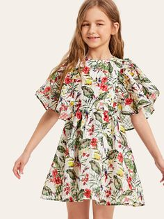 To find out about the Girls Flutter Sleeve Tropical Smock Dress at SHEIN, part of our latest Girls Dresses ready to shop online today! Dresses Kids Girl, Kids Outfits Girls, Cute Girl Outfits, Girls Fashion Clothes, Girl Fashion, Frock Design, Kids Frocks Design, Tropical Dress, Babydoll Dress