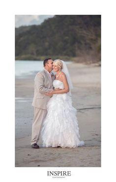 Wendy and Wayne: Life's beachy for these newlyweds | Photo: Inspire Photography | #kingfisherbay #fraserisland #destinationwedding #fraserislandwedding #fraserwedding http://www.fraserislandweddings.com.au/ #AccorAustralia #Mercure