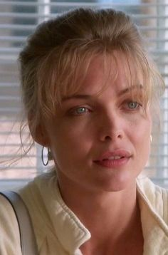 Michelle Pfeiffer in the movie Tequila Sunrise