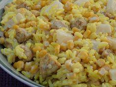 Znowu zapraszam na żółtą sałatkę. Tym razem z żółtiutkim ryżem oraz kuczakiem. Do zabarwienia składników użyłam kurkumy ale jeśli ktoś lubi ...