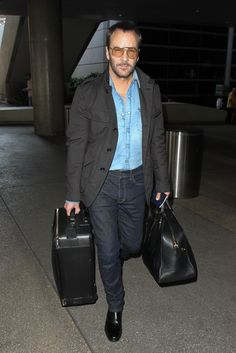 If you're in the mood to show off a bit take a page from Tom Ford and mix rugged denim with slick black accessories and. Airport Style, Airport Outfits, Stylish Outfits, Fashion Outfits, Double Denim, Old Jeans, Classic Man, Tom Ford, What To Wear
