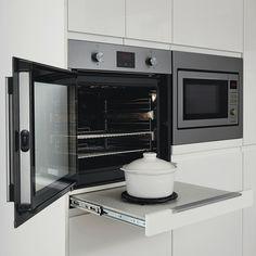 Lamona side opening single fan oven LAM3502