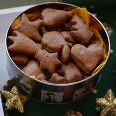 První vánoční recept je tady! Perníčky k Vánocům neodmyslitelně patří. Proč si neupéct jejich zdravější verzi, když i perníčky ze špald...