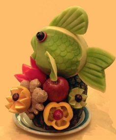 fruit by letitia...  From a page with lots of cute fruit and vege tray ideas