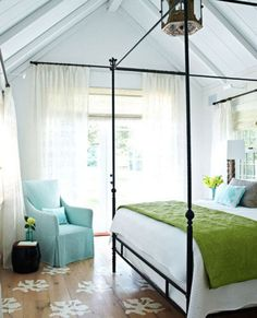 (via Get Your Iron On: Wrought Iron Beds Past and Present | Apartment Therapy DC)
