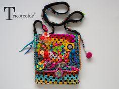 """Sac bandoulière crocheté main en pure laine """" Peace """" : Sacs bandoulière par tricotcolor"""