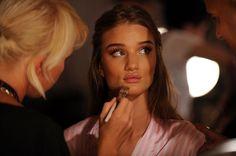 Image via We Heart It #angel #makeup #rosiehuntingtonwhiteley #victoriassecret #topmodelfashion