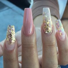 Black Gold Nails diy glitter nails sliver pink clear gold short white coffin summer black champagne tips neutral glitter nails gel Fancy Nails Designs, Acrylic Nail Designs, Acrylic Gel, How To Do Nails, Fun Nails, Black Nails, Nails With Gold, Nice Nails, Simple Nails