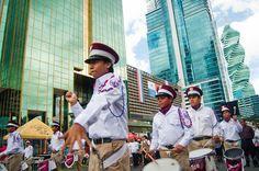 Al igual que en los Estados Unidos, el Día de la Independencia es una grande celebración. Panamá es un apasionado de los desfiles durante la celebración. Muchos de los desfiles incluyen música, los estudiantes y la policía.
