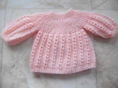 Free knitting pattern for prem Baby Knitting Patterns, Free Knitting, Girls Sweaters, Baby Sweaters, Tricot Baby, Crochet Baby Clothes, Baby Cardigan, Kids Outfits, Point Mousse