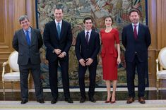 Miguel Cardenal (L) King Felipe VI of Spain (2nd L) and Queen Letizia of Spain (2nd R) meet Javier Fernandez (C) at Zarzuela Palace on April 22, 2016 in Madrid, Spain.