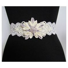 Snowflake Wedding Belt - This item is an off white lace sash/belt with sequins, ivory lace applique, and an ivory and grey satin kanzashi snowflake that is embellished with a rhinestone brooch. Snowflake Dress, Snowflake Wedding, Wedding Belts, Wedding Dresses, Kanzashi Flowers, Diy Flowers, Flower Belt, Bridal Sash Belt, Lace Applique