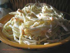 Salade de chou crémeuse, meilleure que St-Hubert!  Ouin... ça reste à prouver! ;)