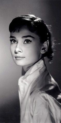 Audrey Hepburn http://sheilablanchette.wordpress.com/2013/09/25/walking-days-133-135-here-we-go-again/