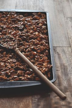 Coconut Honey Granola || Minimalist Baker