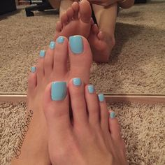 lindabooxo First time doing this color Pretty Toe Nails, Cute Toe Nails, Pretty Toes, Feet Soles, Women's Feet, Ariana Grande Feet, Nice Toes, Toe Polish, Painted Toes