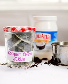 How to Make Coconut Coffee Scrub Cubes (For Cellulite, Stretch Marks   Puffy Faces)