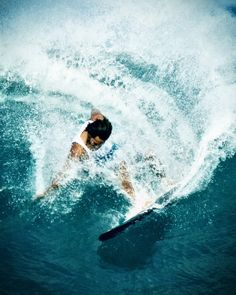 by Kanaka Menehune on Flickr (cc) | Ocean | Surf | Surfing | Blue Green Aqua Green | wwwaves