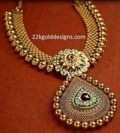 Designer antique gold kundan necklace from Mangatrai jewellers USA. Real Gold Jewelry, Gold Jewellery Design, Gold Set, Gold Gold, Bridesmaid Jewelry Sets, Antique Jewelry, Antique Necklace, Pendant Jewelry, Bridal Jewelry