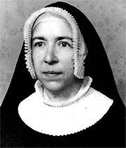 Sisters of St. Andrew (CSA) Date and place of foundation: 1231 years - Belgium Founder: First sister Nun Outfit, Catholic Orders, Daughters Of Charity, Nuns Habits, Corporate Women, Bride Of Christ, Book Crafts, Different Styles, Faith