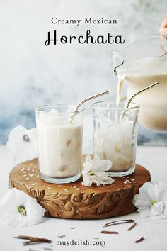 This homemade recipe is creamy, delicious and so easy to make! This homemade recipe is creamy, delicious and so easy to make! Mexican Horchata, Mexican Drinks, Mexican Food Recipes, Drink Recipes, Authentic Mexican Recipes, Mimosas, Agua Horchata, Mole, Homemade Horchata