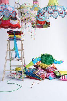 Z potrzeby piękna....: O KOLORZE! Colorful lamp shades