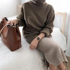 Ideas For Fashion Outfits For Work Professional Attire Sweaters # minimalist Fashion Ideas For Fashion Outfits For Work Professional Attire Sweaters Look Fashion, Korean Fashion, Winter Fashion, Autumn Fashion Work, Womens Fashion Online, Latest Fashion For Women, Mode Outfits, Fashion Outfits, Fashion Trends
