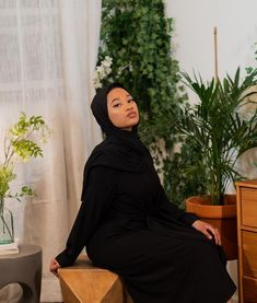 Well @shopfatimadiallo has you covered! This is their twist front abaya dress. Modest Outfits, Chic Outfits, Winter Outfits, Fashion Outfits, Womens Fashion, Group, Board, Dress, Accessories