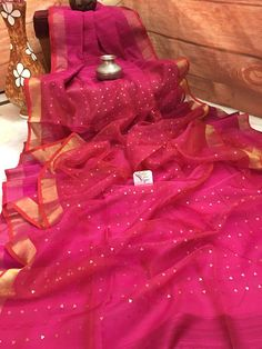Pink and Red color Half and Half Matka Resham saree have that elegant touch and fine zari weave throughout the saree. It is a half and half variety with the finest resham as its fabric. Shop it online now! Organza Saree, Cotton Saree, Cotton Silk, Chiffon Saree Party Wear, Desiner Sarees, Saree Blouse Neck Designs, Sari Dress, Ethnic Sarees, Designs For Dresses