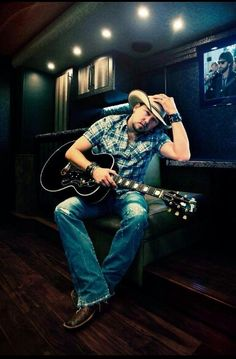 Jason Alden I love your songs still will Country Musicians, Country Music Singers, Country Artists, Country Strong, Country Men, Country Girls, Jon Pardi, Redneck Romeo, Cole Swindell