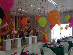 FEITO MIMO: FESTA BAILE DE MASCARAS CARNAVAL Carnival Decorations, Balloon Decorations, Birthday Decorations, Donut Birthday Parties, 10th Birthday, Cube Decor, Serpentina, Romantic Surprise, Glow Party