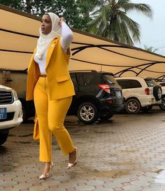 Hijab combined with a yellow suit outfit. Would you rock this to church, YES OR. by Lips💋 Fashion Tendencias Classy Work Outfits, Chic Outfits, Work Casual, Fashion Outfits, Office Outfits, Fashion Ideas, Black Girl Fashion, Work Fashion, Fashion Music