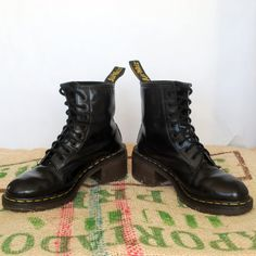 Dr Doc Marten Black Platform Heel Boots – 90's Vintage Original Made in  England Size UK 6, US L 8, EU 38.5 Punk