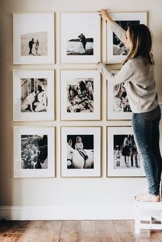 ✧ pinterest: virginiascobb ✧ Black And White Picture Wall, Black Picture Frames, Photo Wall Decor, Photo Frame Ideas, Diy Picture Frames On The Wall, Family Photos On Wall, Stair Wall Decor, Entryway Wall Decor, Picture Frame Decorating Ideas