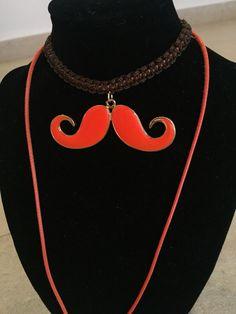 #collar #mostacho #macrame #cuero #fasna