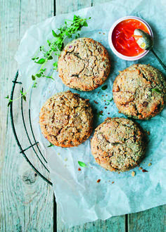 Green Kitchen Stories Apple and Oat Scones Oat Scones Recipe, Bloody Mary, Healthy Desserts, Healthy Recipes, Healthy Cake, Eat Healthy, Fructose Free, Kitchen Stories, Green Kitchen