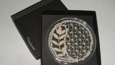 Maltese Bobbin Lace Coaster with leaf stitch and English stitch.