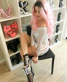 High Heels, Sexy Heels, Polish Girls, Pink Hair, Teak, Home Goods, Wigs, Like4like, Woman Smile