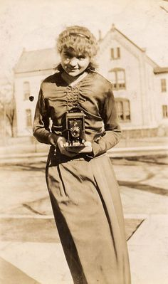 Kodak Camera girl, Vintage photograph, c.1910 about Barbara Levine  project b
