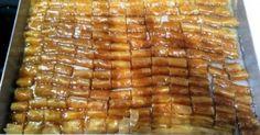 Κουρκουμπινάκια φούρνου !!! Sweet Buns, Sweet Pie, Greek Cookies, Greek Sweets, Food And Drink, Cooking Recipes, Yummy Food, Vegetables, Party