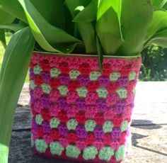 Crochet summer vase cover