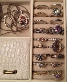 >>>Pandora Jewelry OFF! >>>Visit>> PANDORA Rings and Things. Some Things Never Date Hope Pandora Continue With More Classic Pieces. Pandora Jewelry Box, Pandora Rings, Pandora Bracelets, Pandora Charms, Jewelry Art, Jewelry Accessories, Jewelry Design, Jewelry Drawing, Jewelry Bracelets