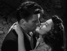 nitratediva:Ava Gardner and Burt Lancaster in The Killers Hollywood Men, Vintage Hollywood, Classic Hollywood, Male Movie Stars, Romantic Kiss Gif, She's A Lady, Ava Gardner, Cute Couples Goals, Beautiful Love