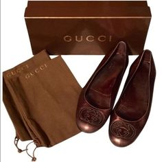 Size 6.5 Gucci Metallic Brown Flats No lowball offers                                                                  No Trades                                                                 Size 6.5 Gucci Metallic Brown Flats. Excellent used condition! trdy Gucci Shoes Flats & Loafers