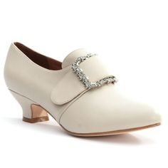 """American Duchess """"Kensington"""" 18th Century Leather Shoes (Ivory). Dyeable, soft, ivory leather 18th century shoes that offer comfort, style, and customizability. #weddingshoes #colonial @Colonial Williamsburg"""