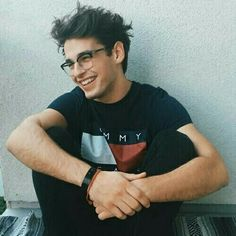 Image about cute in Boys by My Thoughts on We Heart It Nick Bateman, Cute Guys With Glasses, Tyler Carter, Blake Steven, Comic Tutorial, Swag Boys, Smiling Man, Boy Photography Poses, Cute Boys
